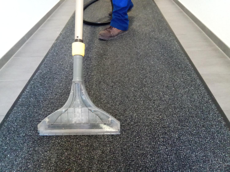 Nettoyage rapide et intensif de vos moquettes